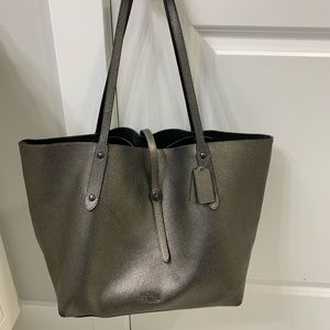 Coach large market tote with matching wallet